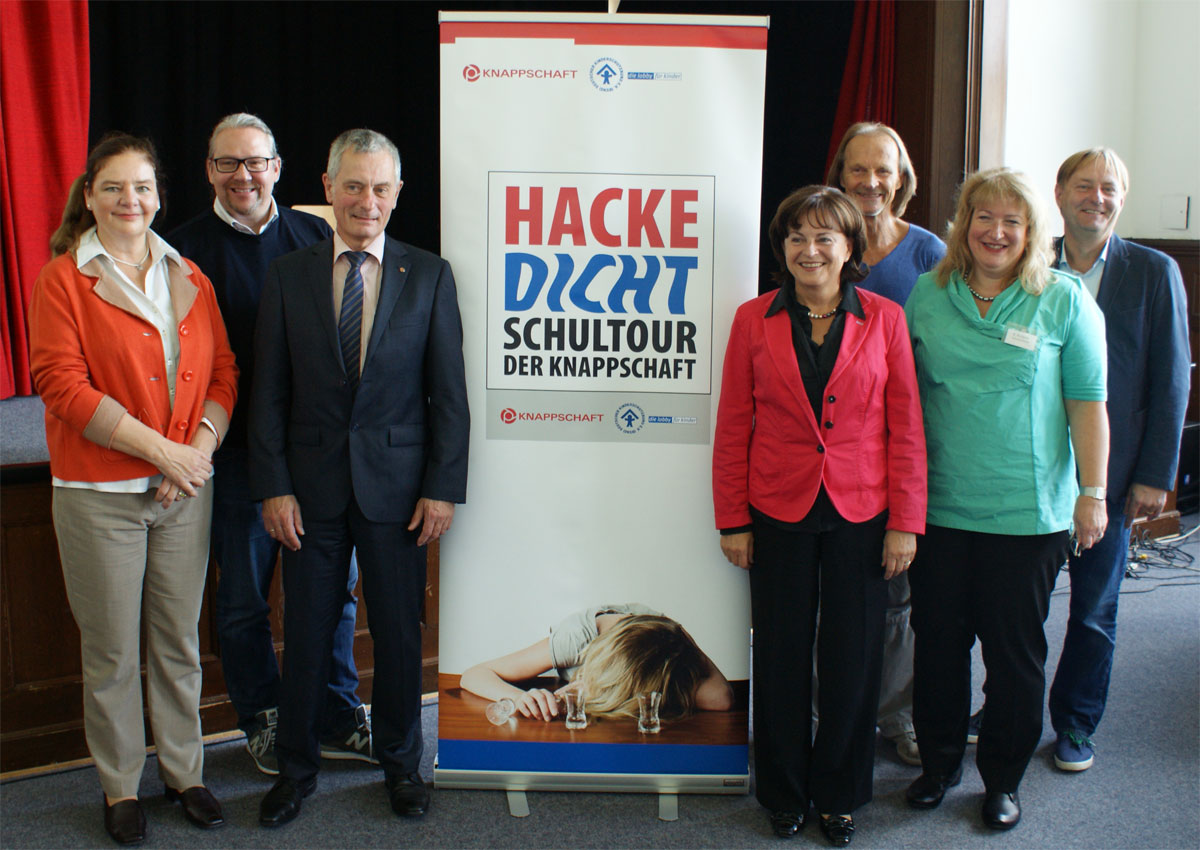 v.l.n.r.: Susanne Heinrich, Christian Briesen, Gerd Jockenhöfer, Marlene Mortler, Eisi Gulp, Elke Rimpau, Frederik Kronthaler